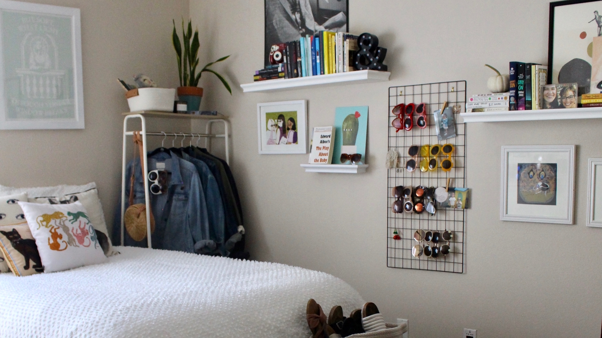 tips to make a small bedroom